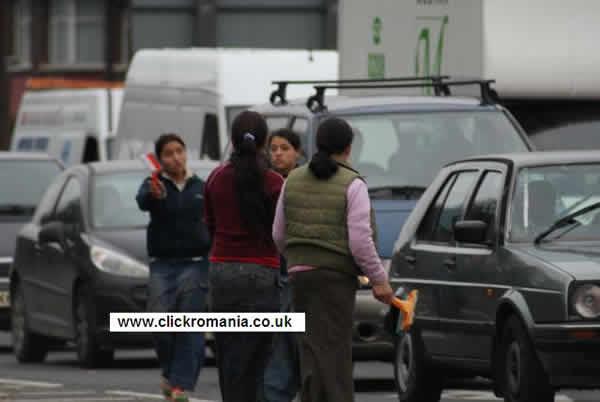 Tigani din Romania la spalat de masini
