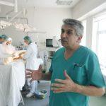 """Ministerul Sanatatii """"momeste"""" medicii romani cu dublarea salariilor"""