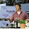 Restaurantele lui Jamie Oliver se inchid