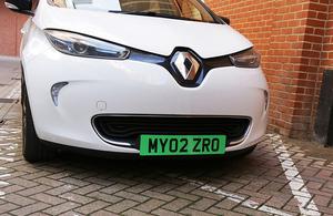 Guvernul britanic vrea sa introduca placute de inregistrare verzi pentru masini electrice