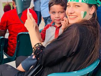 Elena, romanca in Pakistan si Londra
